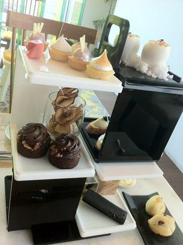 【美味關係】W hotel黑白時尚下午茶 @凱的日本食尚日記