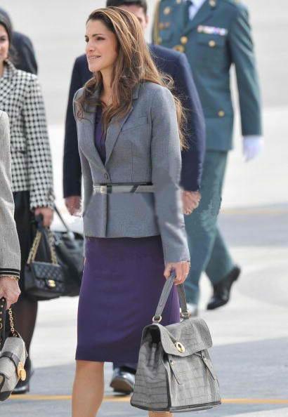 ysl-celebs-star-queen-rania-of-jordan-muse-two-croc-bag.jpg