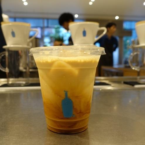 【2016東京美食】終於見到可愛小藍瓶本人。Blue Bottle 藍瓶咖啡新宿NEWoMan店(2020/01更新) @凱的日本食尚日記