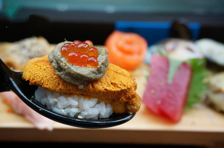☆【台中美食】丸億生魚片壽司。大快朵頤最愛的炙燒壽司