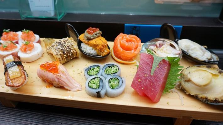 ☆【台中美食】丸億生魚片壽司。大快朵頤最愛的炙燒壽司 @凱的日本食尚日記