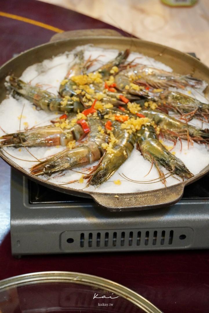 ☆【新北美食】新店68食堂。母親節超前部署,平價又豐盛的十菜大餐